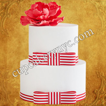 wedding cakes with bows