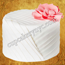 matching your wedding gown detail to your wedding cake